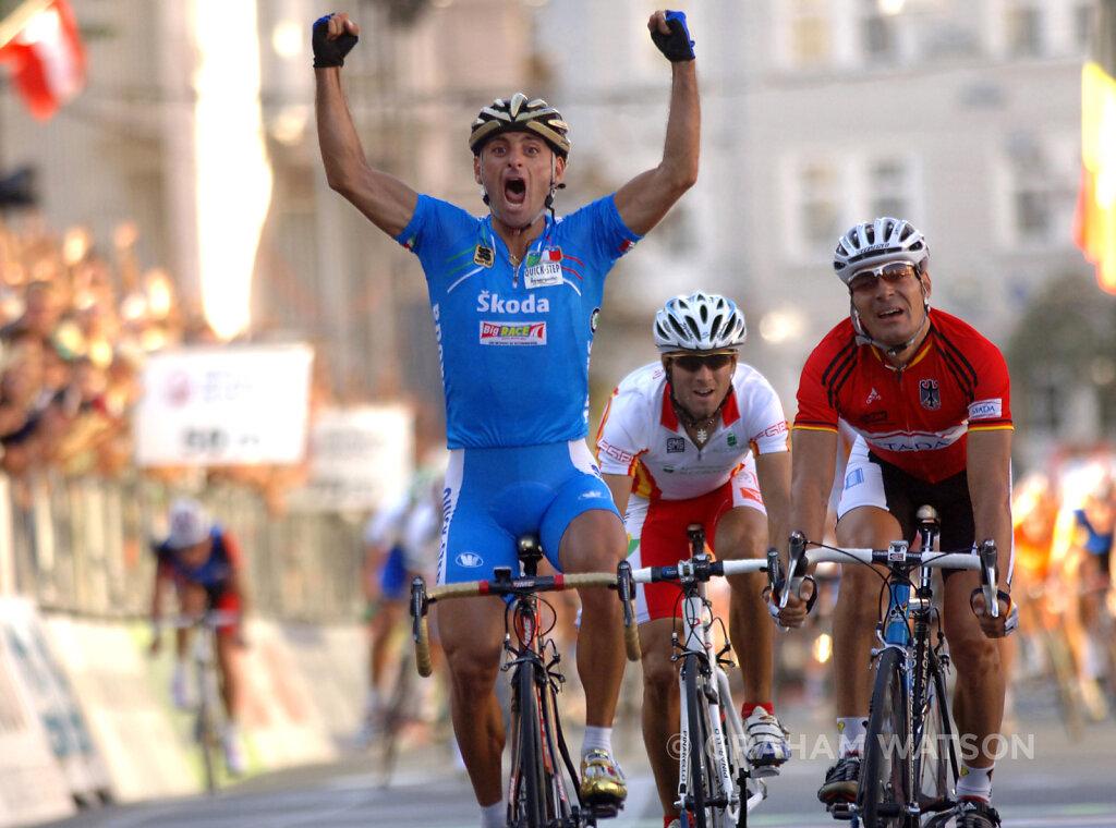 Bettini wins 3.jpg